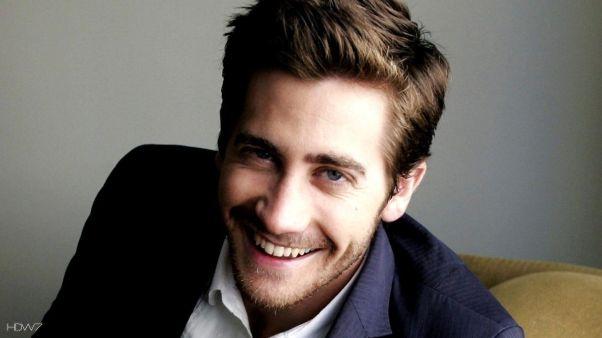 jake-gyllenhaal-smile-1080p